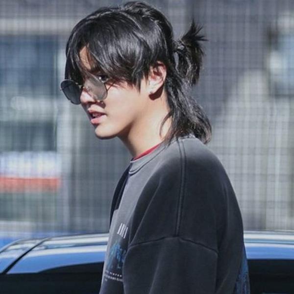 Kiểu tóc nam buộc để mái
