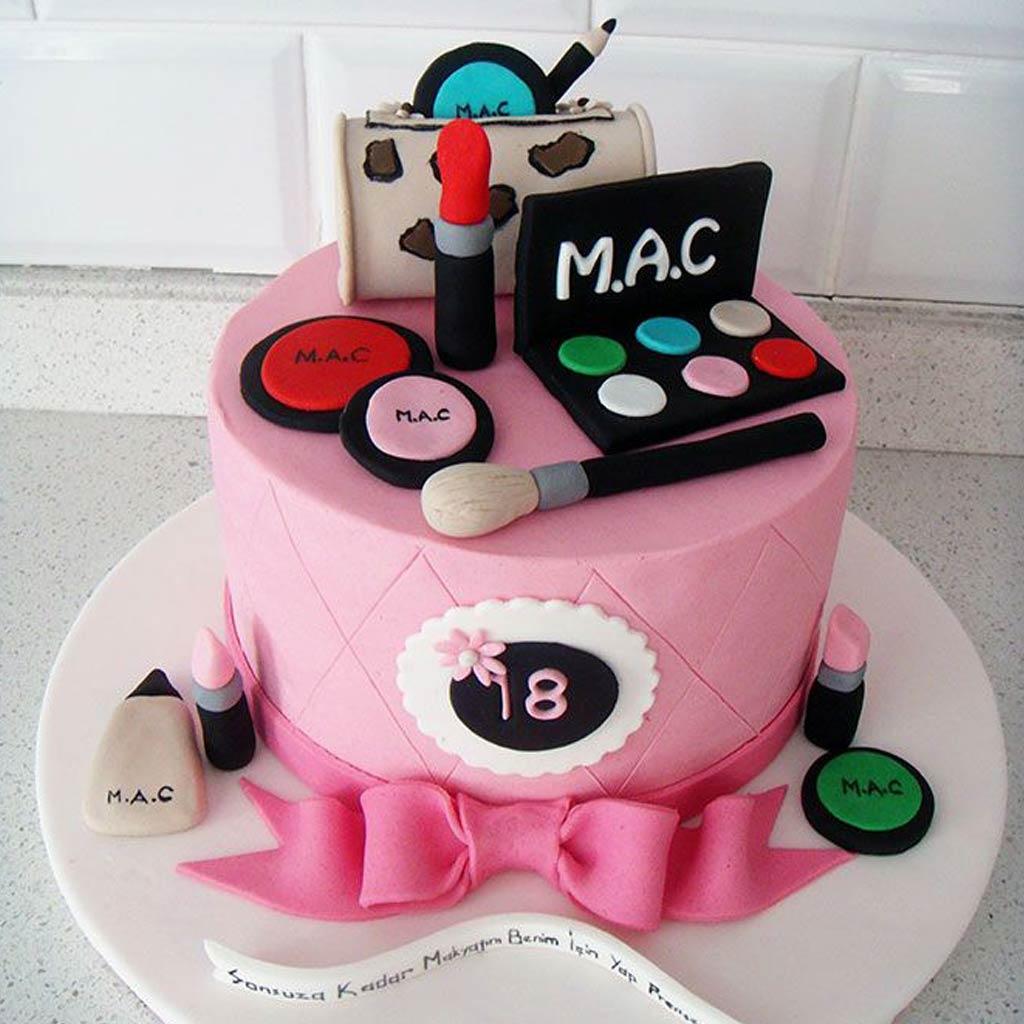 Bánh sinh nhật hài hước cho chị em