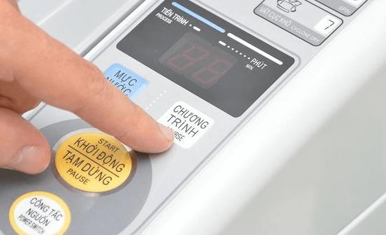 Máy giặt Aqua 7kg có bảng điều khiển bằng tiếng Việt dễ sử dụng