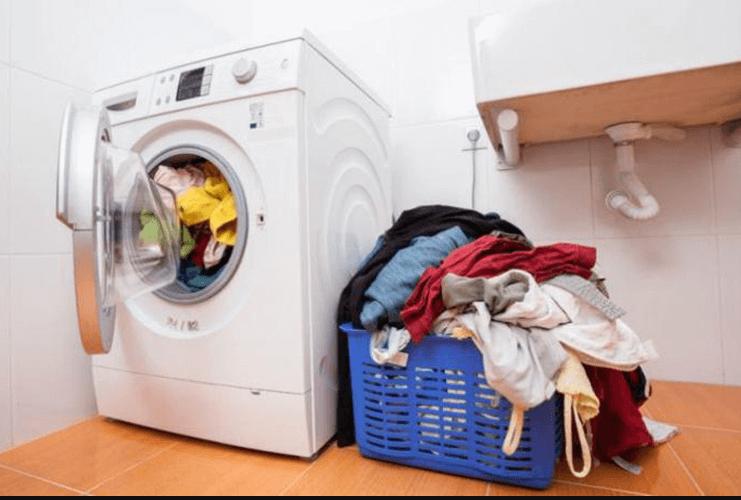 Khi chọn mua máy giặt sấy khô không cần phơi cần chú ý đến khối lượng giặt