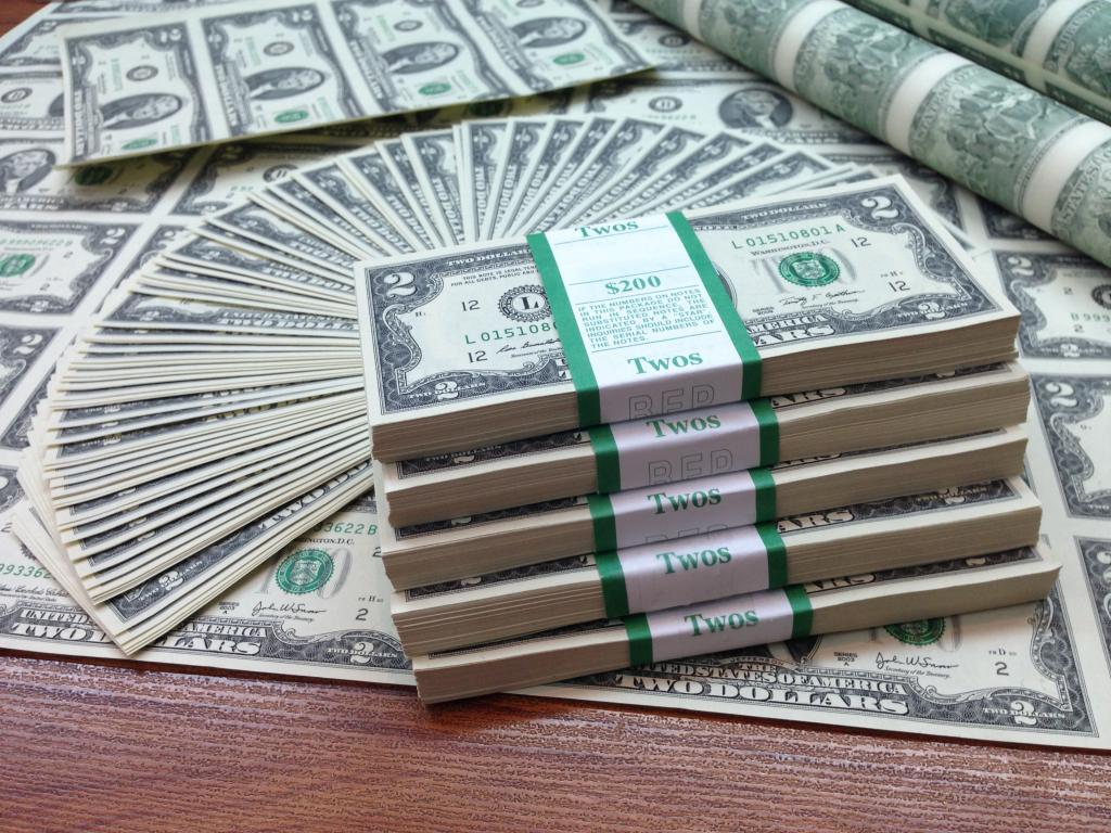 Nên đổi tiền đô sang tiền Việt ở đâu?