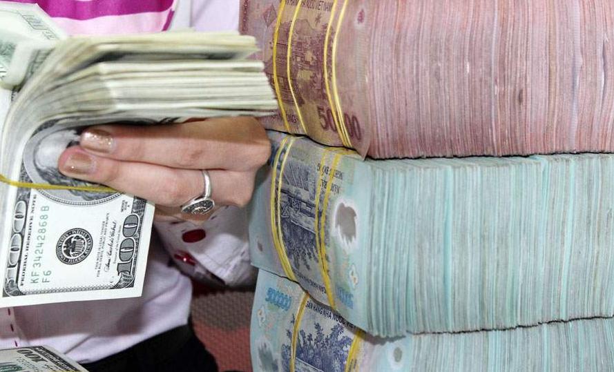 Lưu ý khi đổi tiền đô sang tiền Việt