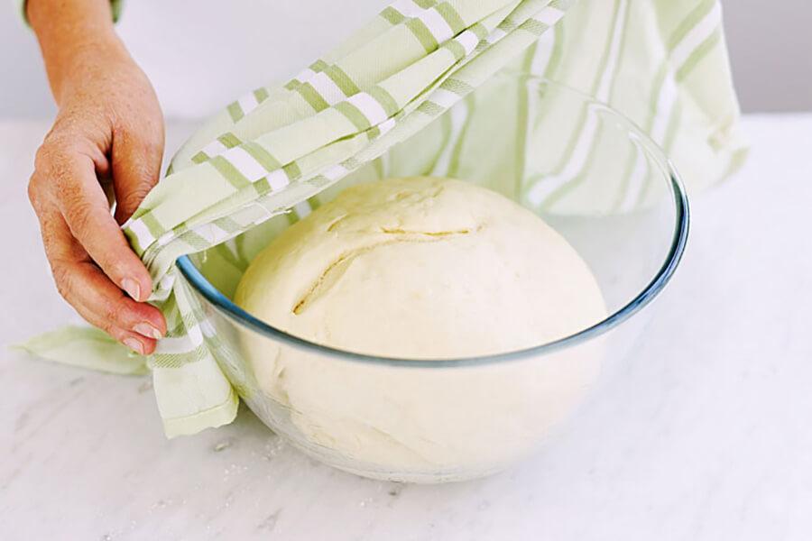 Cách làm bánh mì tươi mềm tại nhà