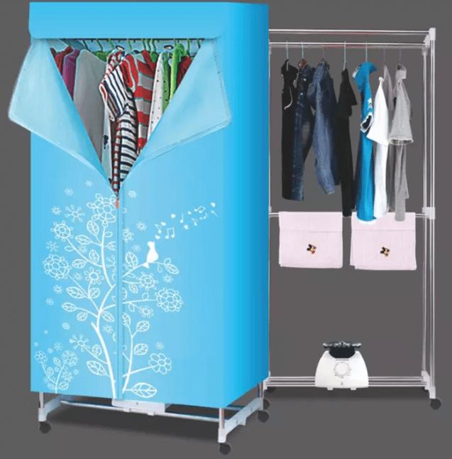 Dùng tủ sấy quần áo để khử mùi hôi quần áo ngày mưa