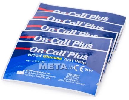 Các que thử đường huyết On Call Plus được đóng gói vào túi rất cẩn thận.