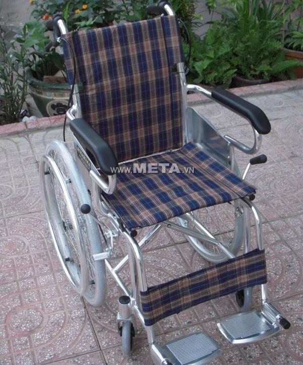 Xe lăn tay W-HA-872LJ-41 có khung xe bằng nhôm cứng cáp, dành riêng cho trẻ em
