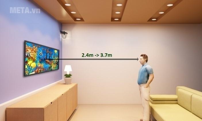 Khoảng cách an toàn cho mắt để xem tivi Sony 48 inch là 2.4 - 3.7m.