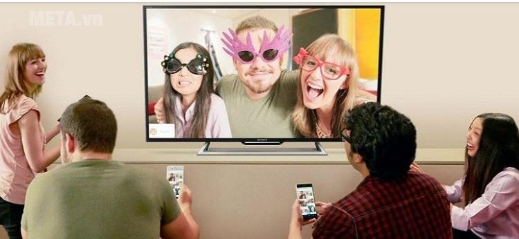 Tivi Sony cho phép bạn và người thân chia sẻ hình ảnh tiện ích.