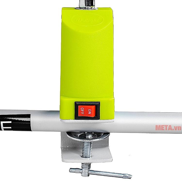 Đèn bàn biến tần kẹp bàn V-light C-FGL 13W với thiết kế nút bật đơn giản.