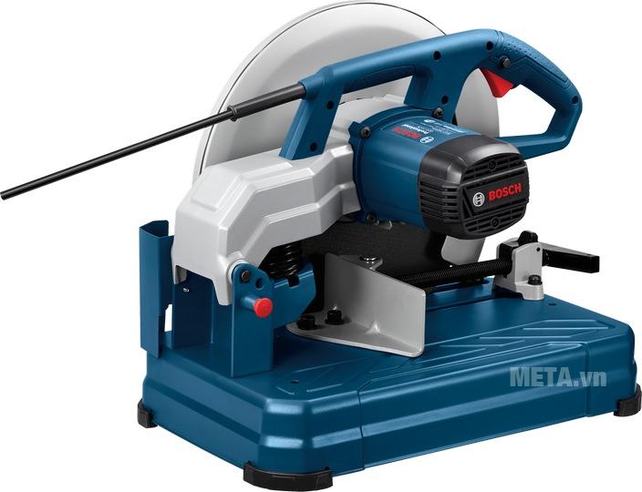 Máy cắt sắt Bosch GCO 14-24 cách điện, an toàn khi sử dụng.