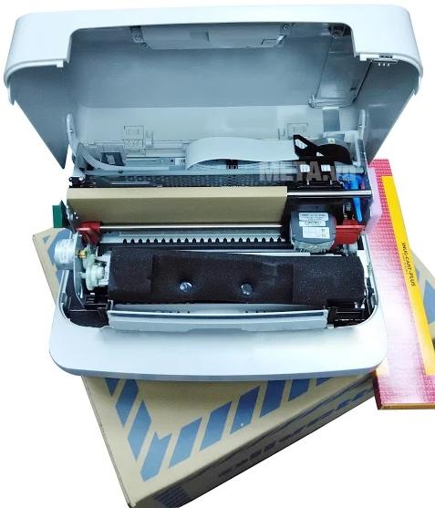Máy in đặc biệt Olivetti PR2 Plus với thiết kế bên trong máy.