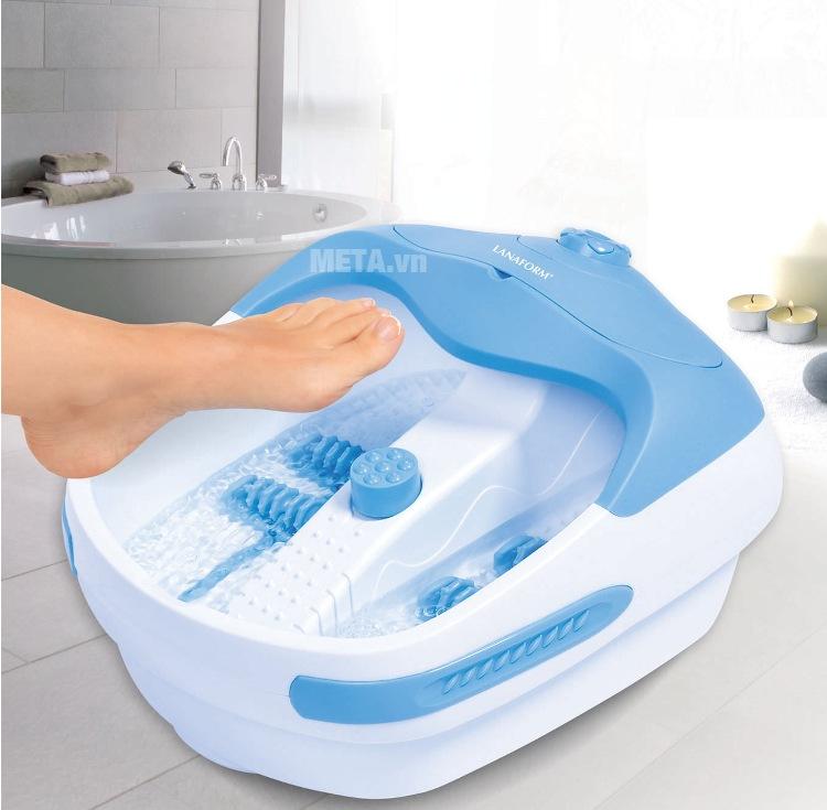 Bồn massage chân Lanaform Bubble Footcare giúp thư giãn, giảm căng thẳng mệt mỏi.