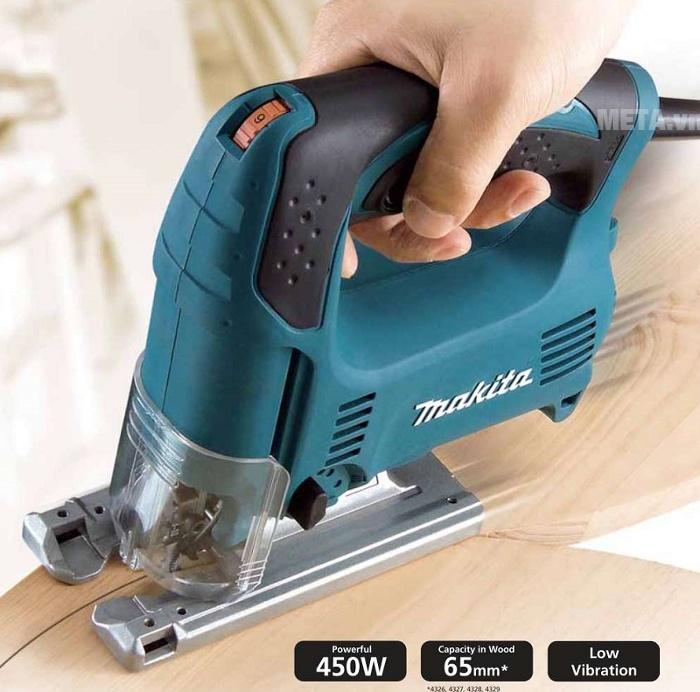 Máy cưa lọng Makita dễ cắt vật liệu dạng hình thẳng hoặc hình cong