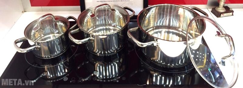 Bộ nồi Elo Oscar 3 chiếc đun nấu được với bếp từ.