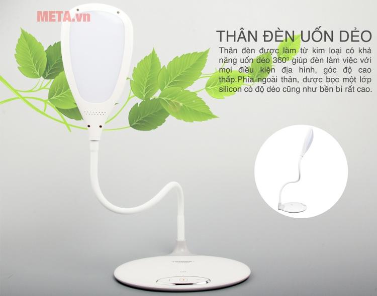 Đèn bàn Tiross TS1802 với thiết kế thân đèn có thể uốn dẻo dễ dàng.