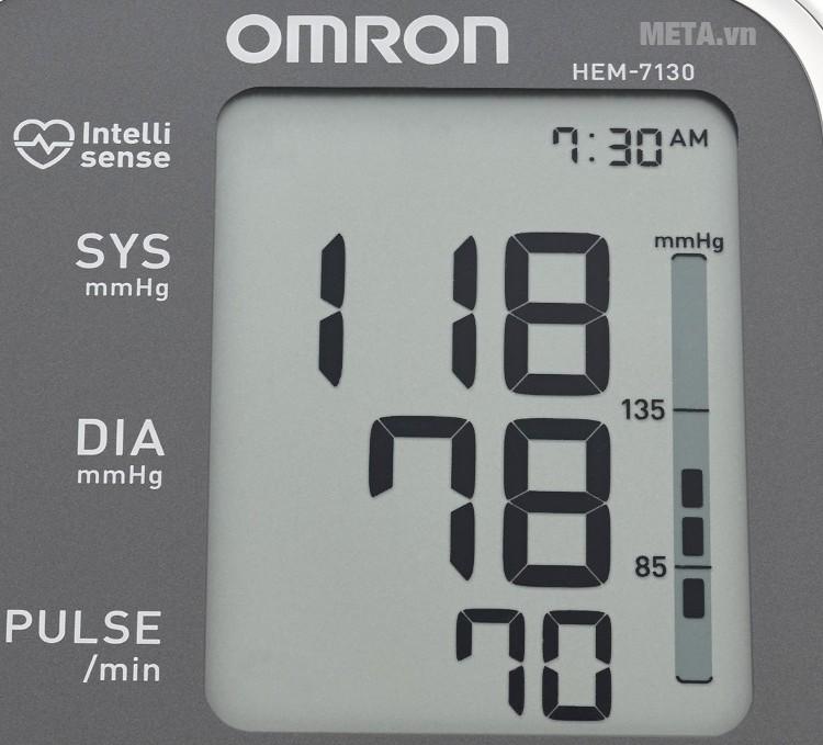 Máy đo huyết áp bắp tay HEM-7130 có màn hình LCD to, rõ nét