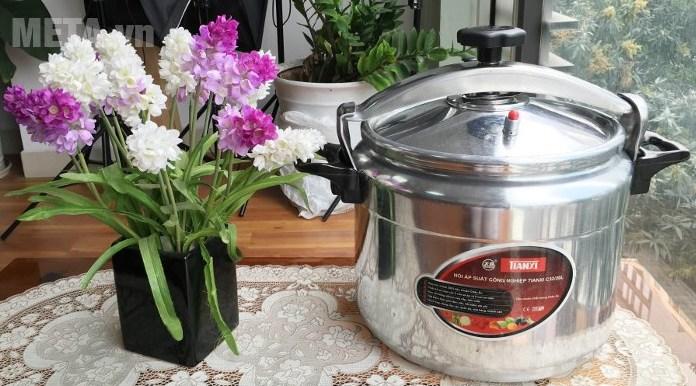 Nồi áp suất công nghiệp Tianxi TCP 28 giúp nấu thực phẩm nhanh chín, giữ được nhiều chất dinh dưỡng