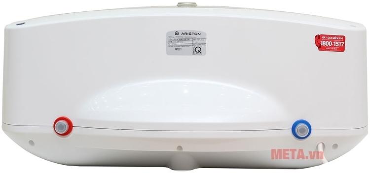 Bình nóng lạnh gián tiếp Ariston SL30B được làm bằng chất liệu cao cấp.