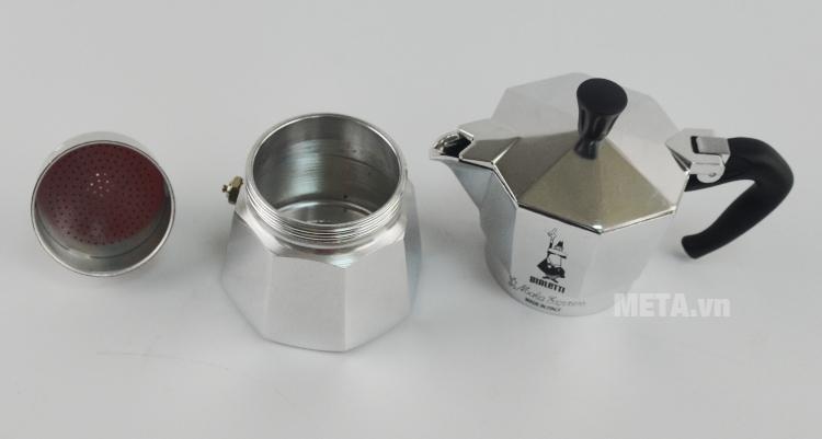 Ấm pha cà phê Bialetti Moka Express 3TZ BCM-1162 dễ tháo rời 3 bộ phận.