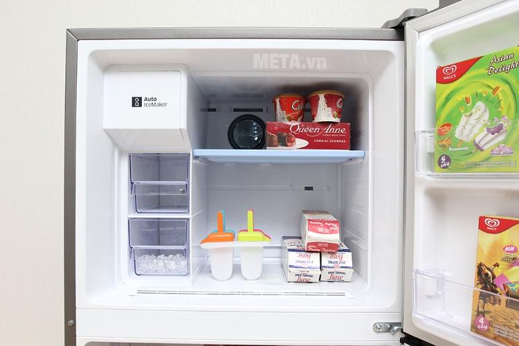 Tủ lạnh Samsung 380 lít RT38K5982SL/SV có ngăn đá 87 lít.