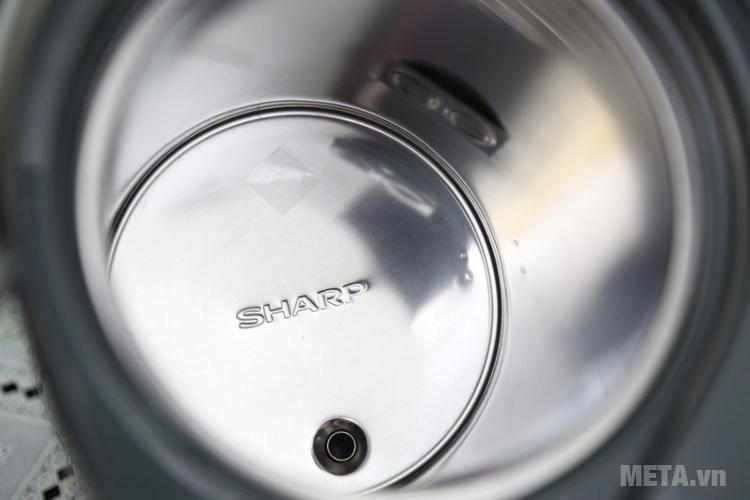 Bình thủy điện Sharp KP-Y33V có ruột bình dày dặn.