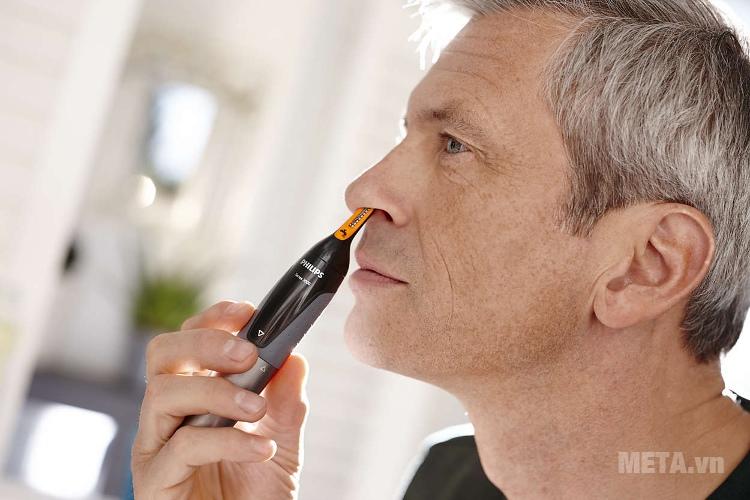 Máy tỉa lông mũi Philips NT1150 cắt lông mũi dễ dàng.