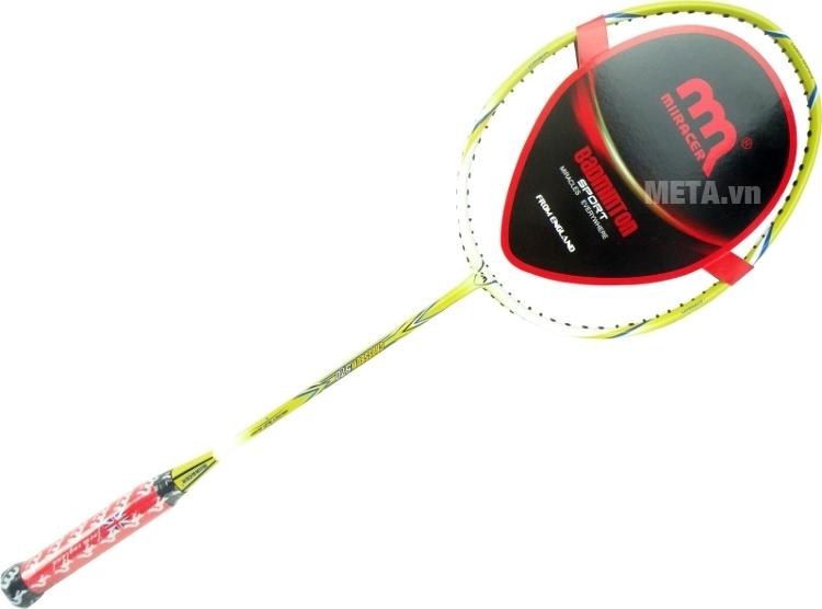 Vợt cầu lông Miiracer Crossbow 570 có màu xanh trắng sang trọng.