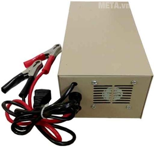 Máy nạp ắc quy tự động Apollo AP1205A với thiết kế cách điện.