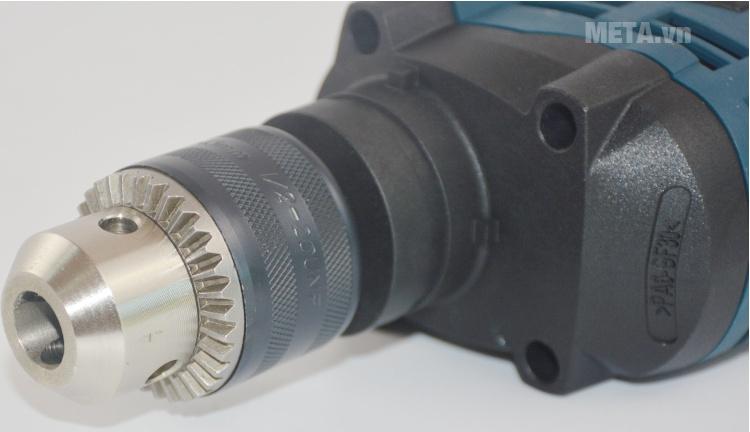 Máy khoan động lực Bosch GSB 16 RE với thiết kế mũi khoan có độ bền cao.