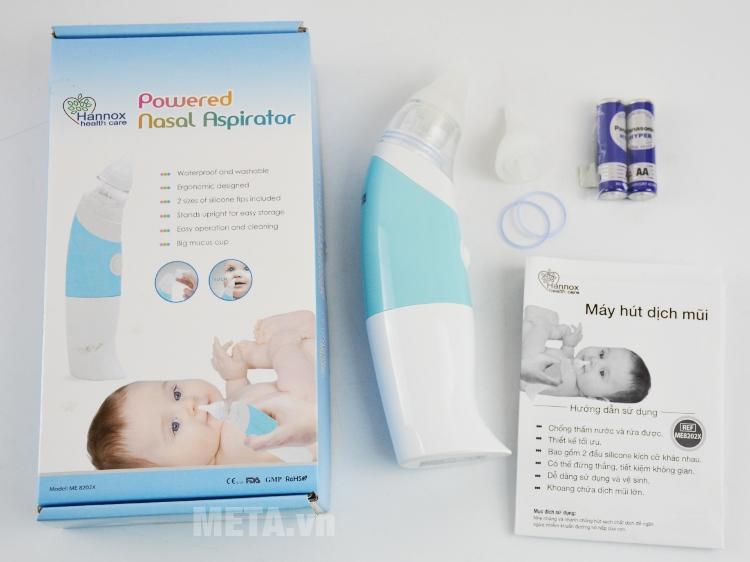 Máy hút dịch mũi cho bé Hannox ME8202X có hướng dẫn sử dụng, đầu hút và pin đi kèm.