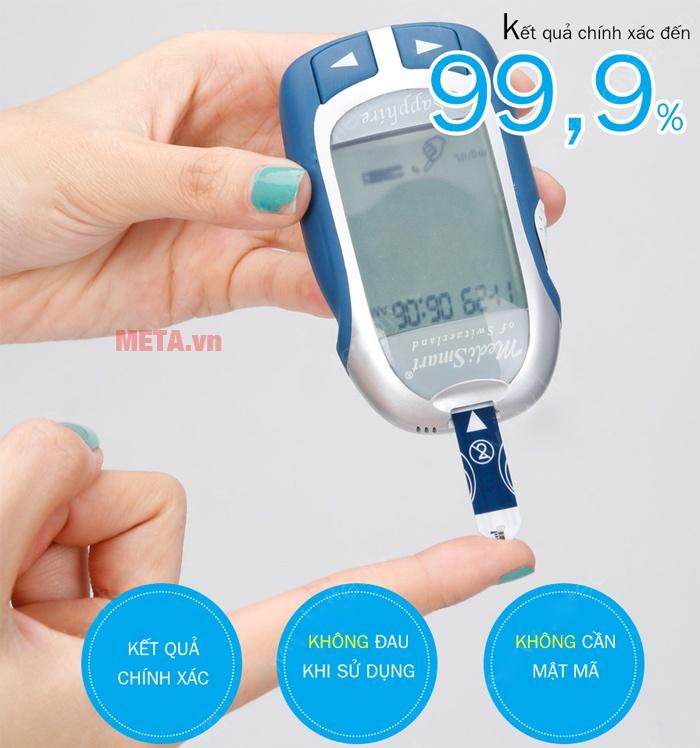 Máy đo đường huyết MediSmart Sapphire lấy máu không đau.