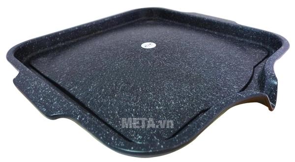 Chảo nướng vuông Hàn Quốc Kova HGS có tay cầm hai bên chảo.