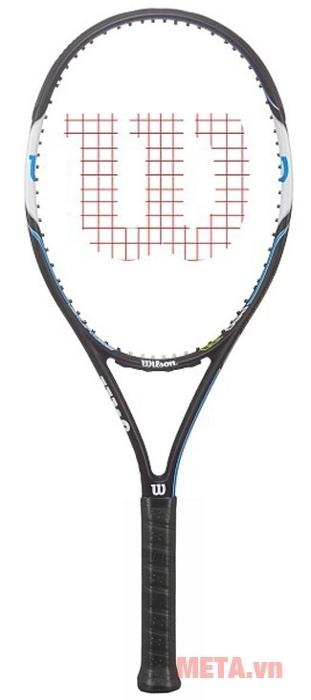 Vợt tennis Wilson SURGE PRO 100 WRT5767002 có tay cầm vừa vặn, chắc chắn.
