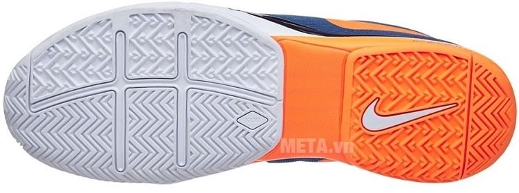 Giày tennis nam Nike Zoom Vapor 9.5 Tour 631458-401 có đế chống trượt và chống mài mòn tốt.