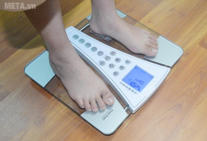 Cân sức khỏe và phân tích cơ thể BC-587