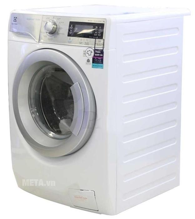 Máy giặt cửa trước Electrolux EWF12933 có màu trắng sang trọng.