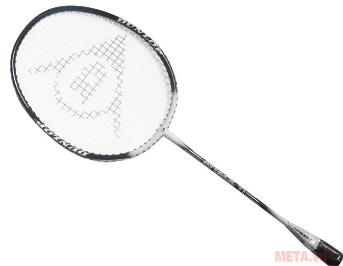 Vợt cầu lông Dunlop Attack TI G1 HH có tay cầm thon gọn, cầm nắm dễ dàng.