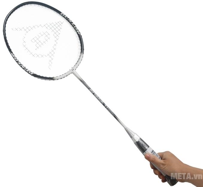 Vợt cầu lông Dunlop Attack TI G1 HH có màu trắng đen sang trọng.