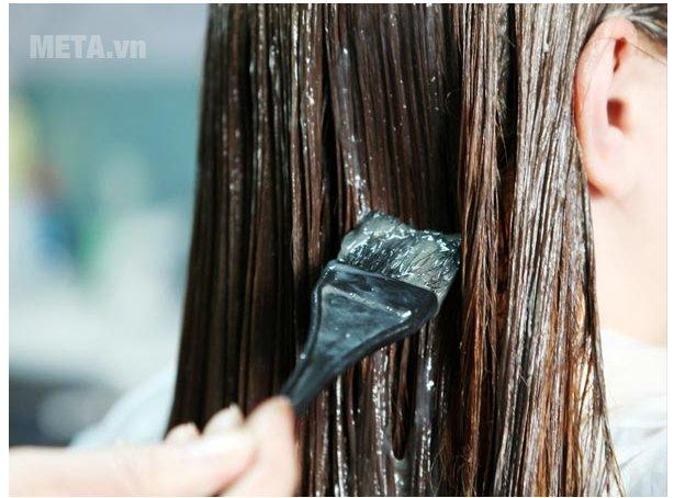Nhuộm tóc sau 1 ngày không gội đầu