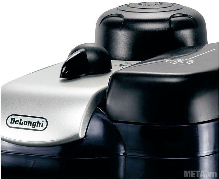 Máy pha cà phê Delonghi Steam Espresso EC9 thiết kế nắp đậy ngăn chứa sữa