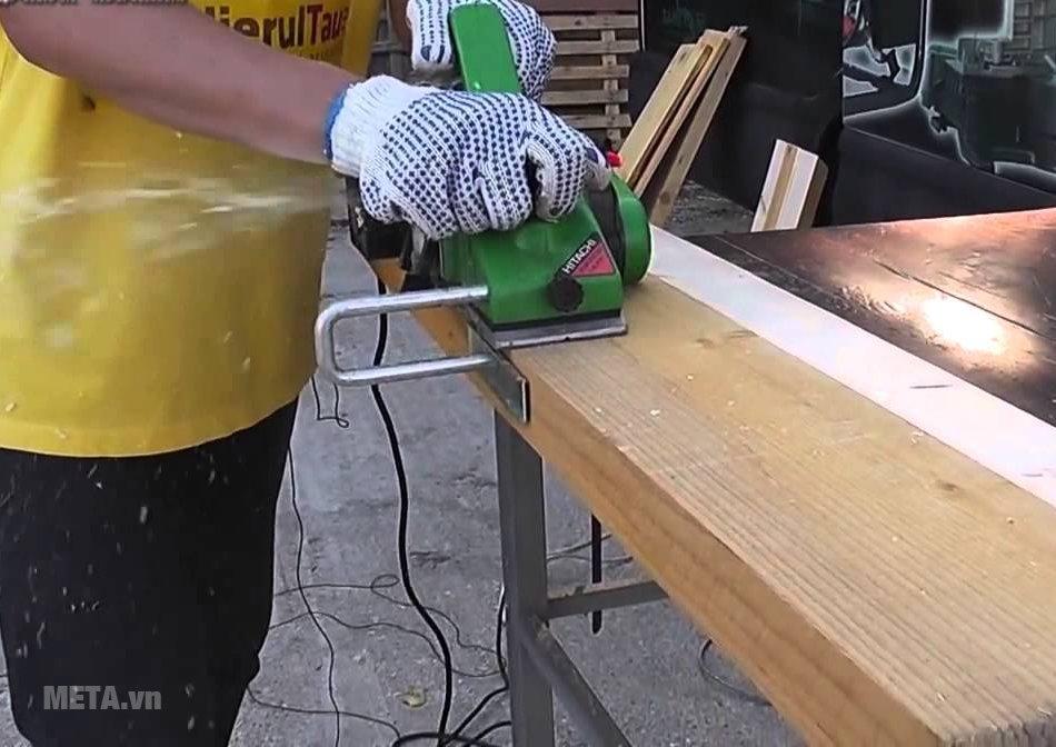Người lao động lưu ý khi sử dụng máy bào gỗ