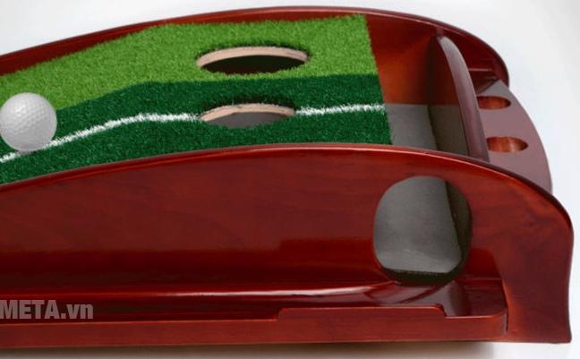Thảm tập Golf Putting DG với thiết kế 2 lỗ bóng.