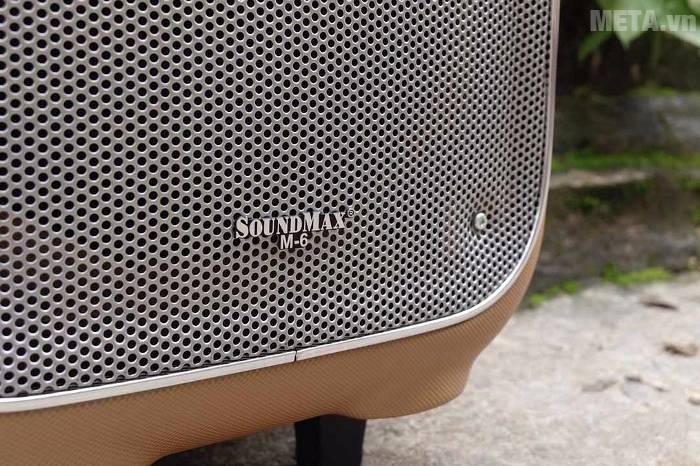 Loa SoundMax M-6 có màng loa bằng kim loại màu bạc