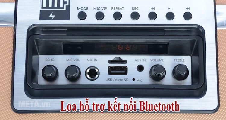 Loa SoundMax M-6 có vạch báo dung lượng pin