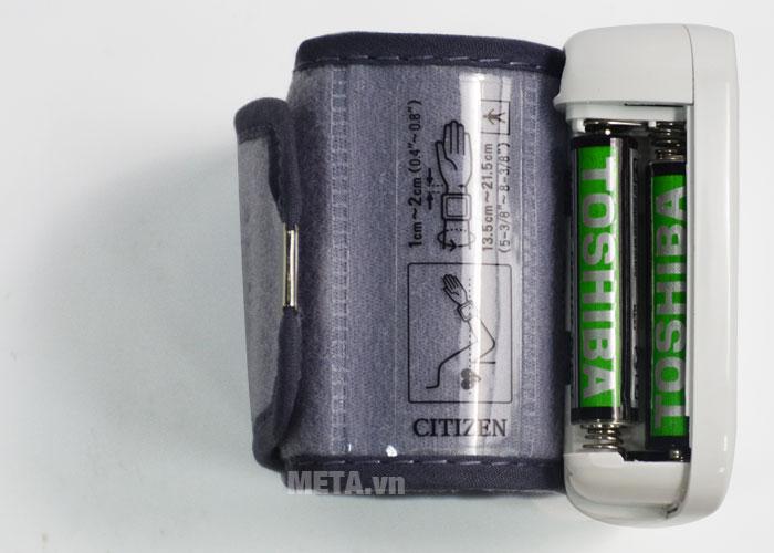 Máy đo huyết áp điện tử tự động CH-650 sử dụng 2 pin AA (LR 03)