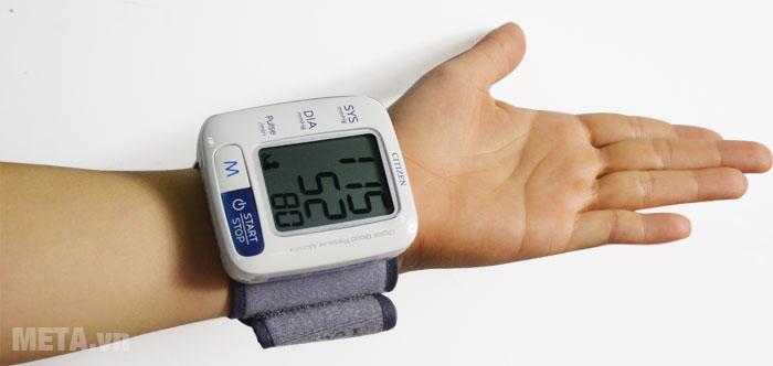 Máy đo huyết áp điện tử tự động CH-650 đo huyết áp hoàn toàn tự động, dễ sử dụng