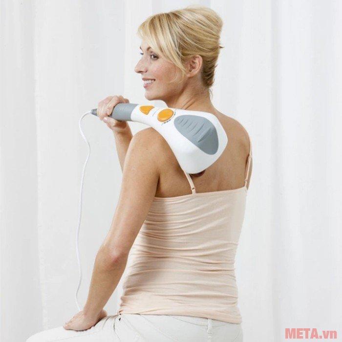 Máy massage đấm đèn hồng ngoại ITM massage vùng vai, cổ dễ dàng