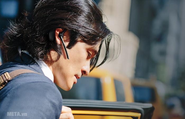 Tai nghe Bluetooth Plantronics model Voyager 5200 thanh mảnh