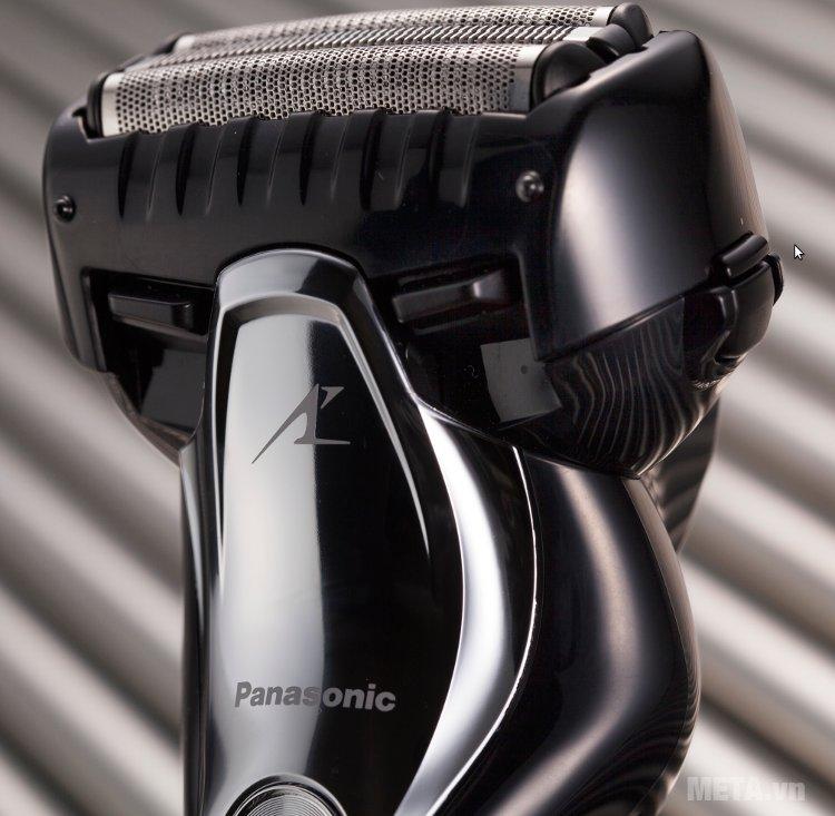 Máy cạo râu Panasonic ES-ST2N-K751 có thể rửa lưỡi dao dưới vòi nước