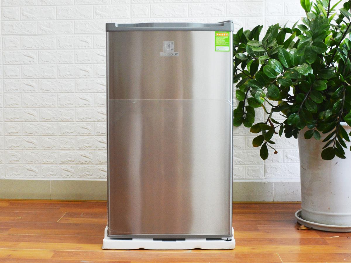 Tủ lạnh Midea HS/HF-65Sn/TTY 50 Tủ lạnh Electrolux EUM0900SA 92 lít